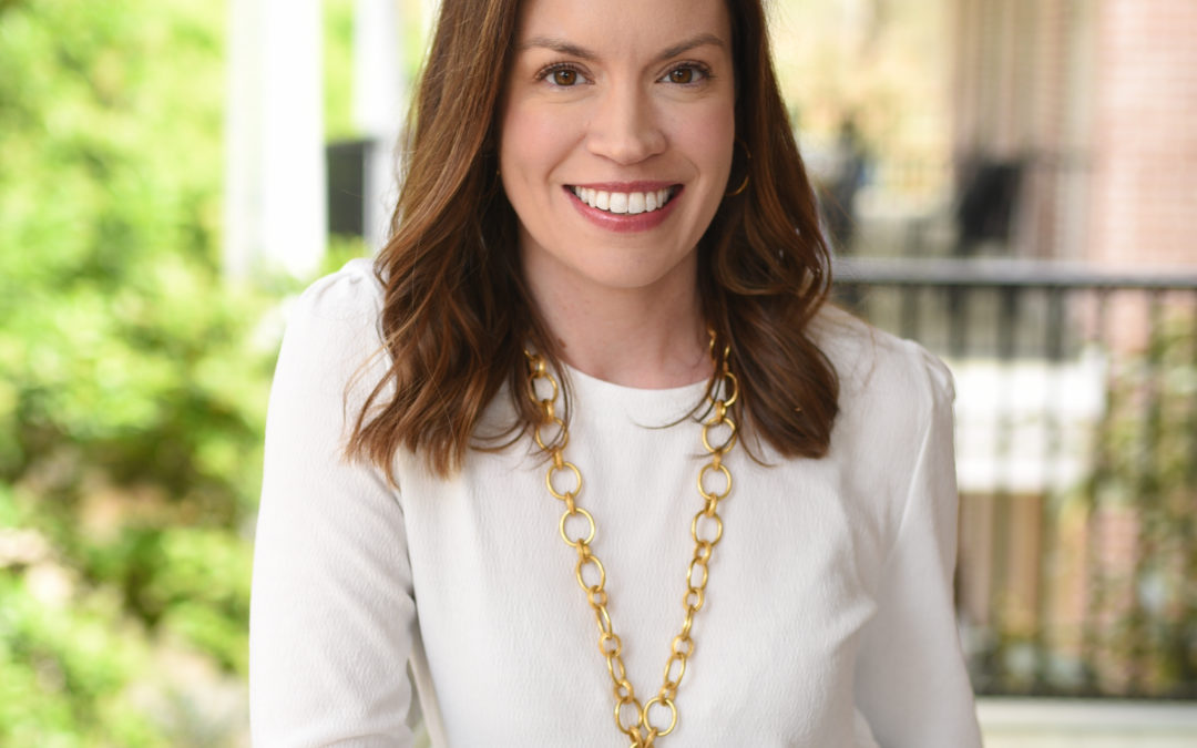 DR. SARAH ALLEN: Growing A Successful Business By Word Of Mouth, Pursuing Your Artistic Joy, And Highlighting People's Beauty